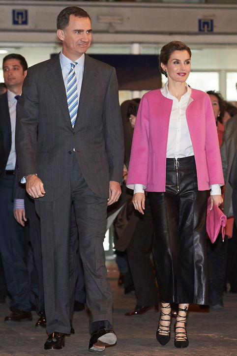 queen-letizia-leather-pants-pink-jacket