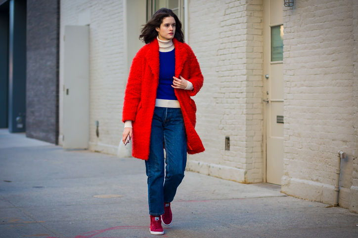 red-bright-coat-style-du-mode